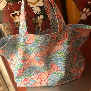 Lilly Pulitzer tote. ☀️*